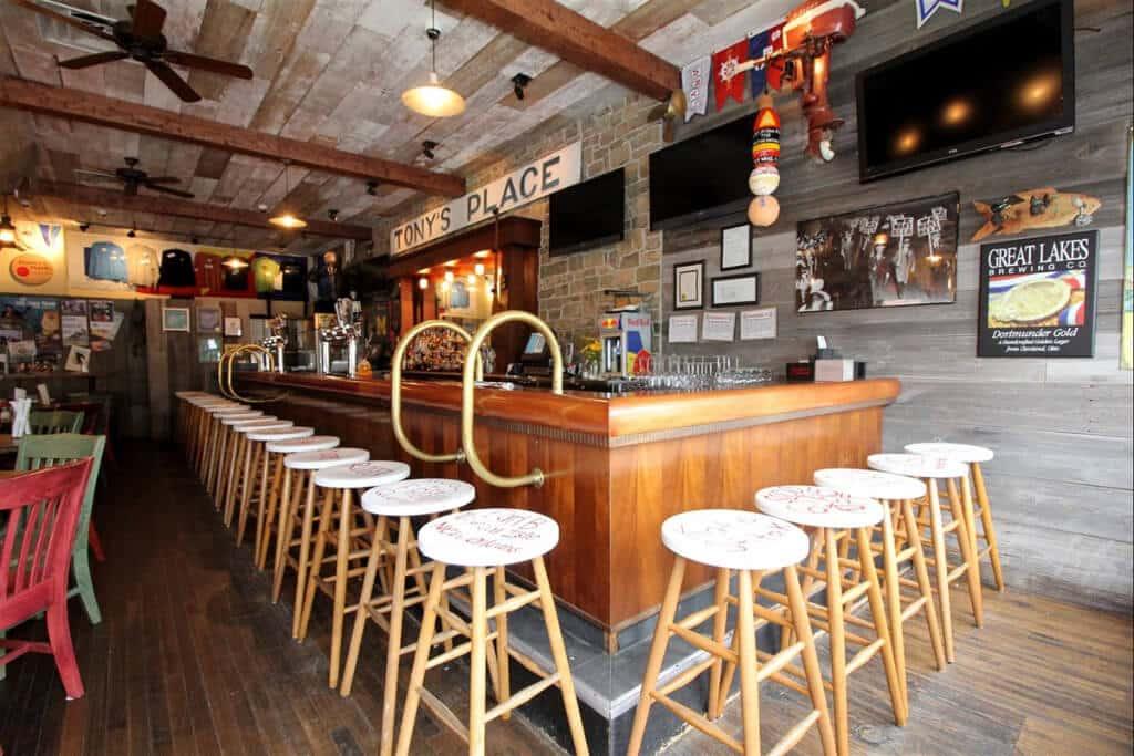 Reel Bar