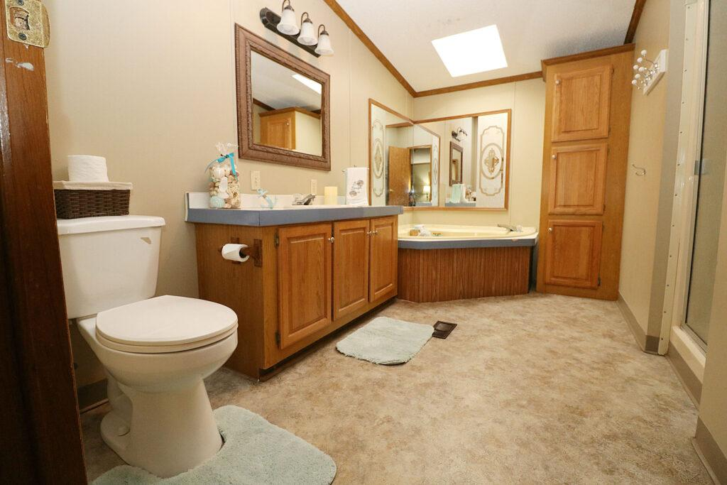 Island Club Rental Home Bathroom