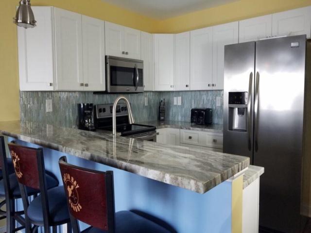 Put-in-Bay Waterfront Condos Kitchen