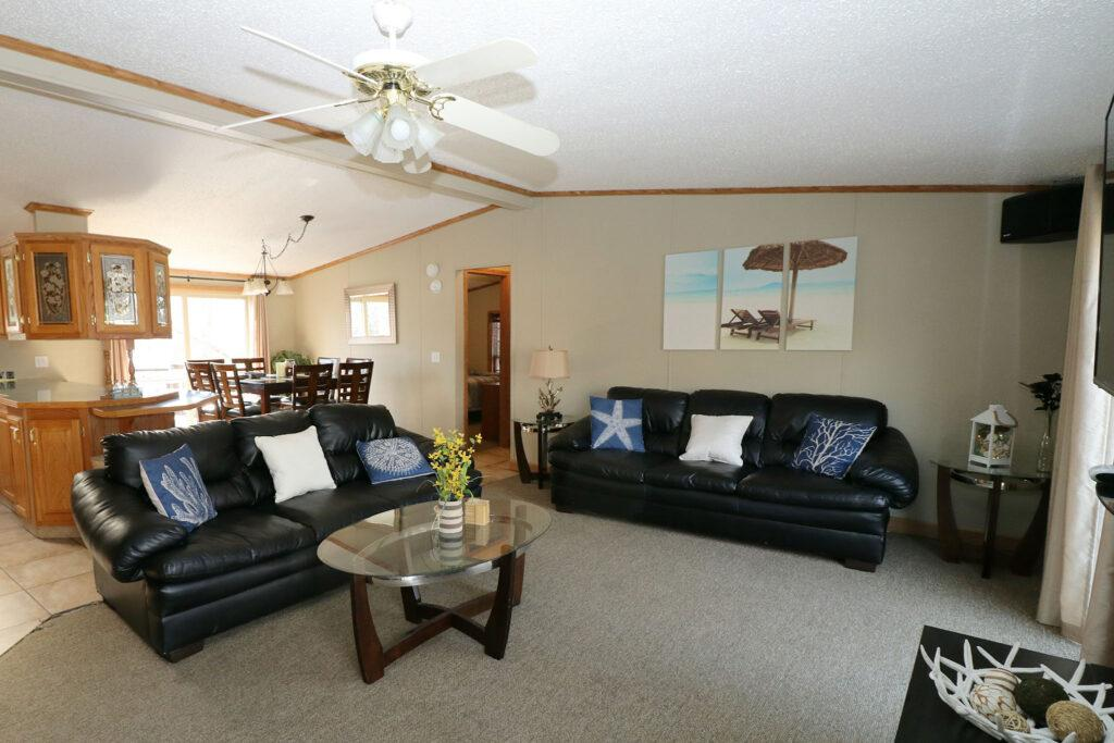 Island Club Rental Home Living Area
