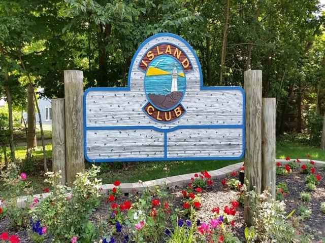 Island Club Home Rentals Entrance